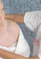 Igiene nell' anziano: come affrontarla