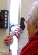 Le truffe più comuni agli anziani e consigli su come evitarle