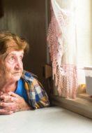 Anziani: in estate non lasciamoli soli